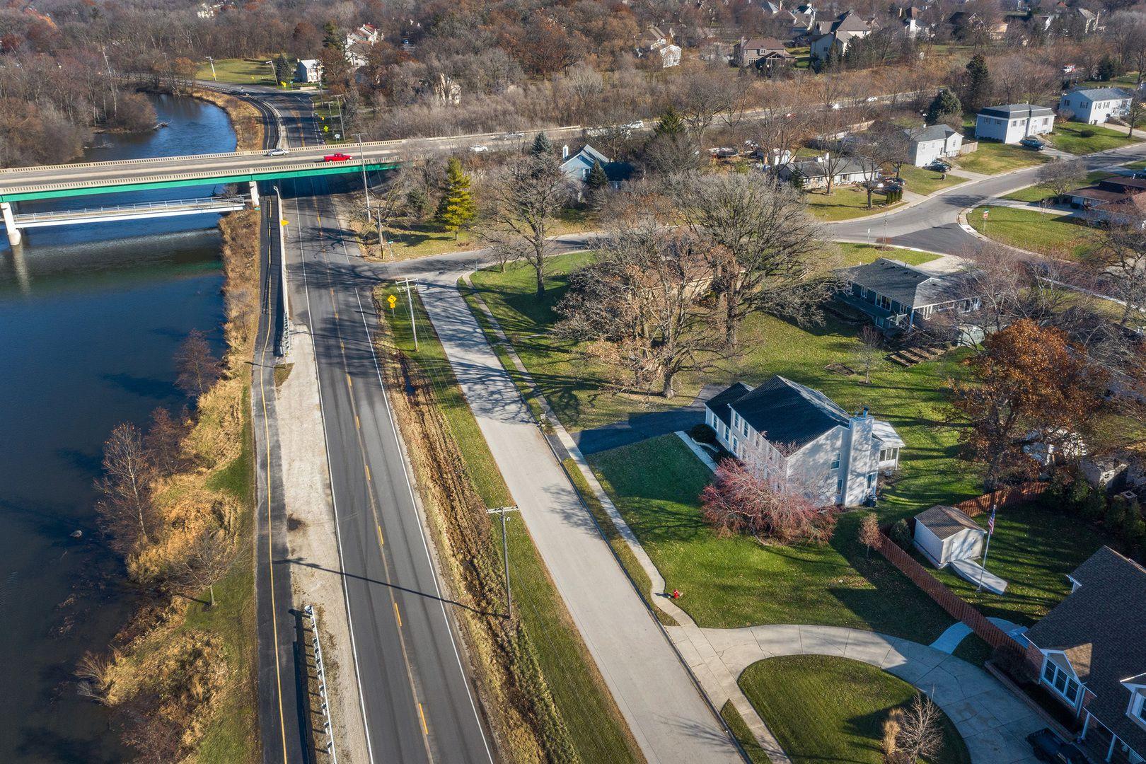 28 E River Road