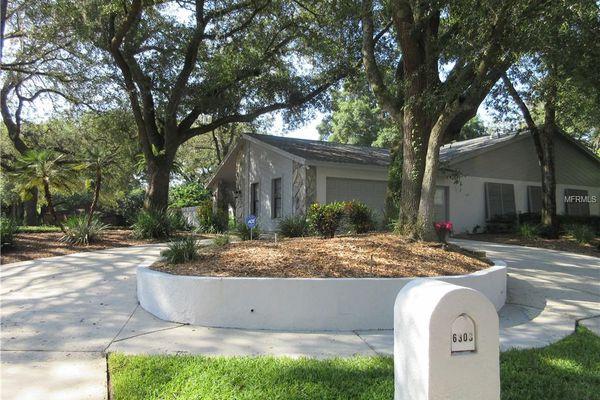 Raintree Oaks