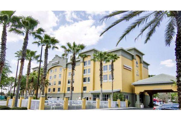 Meridian Palms Condominiums