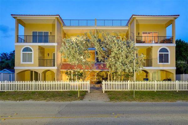 Cuesta Del Sol Condominiums