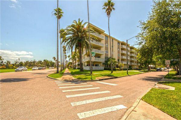 Bay Breeze Condominiums