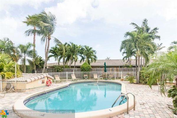 Villa Sun Ray Condominiums