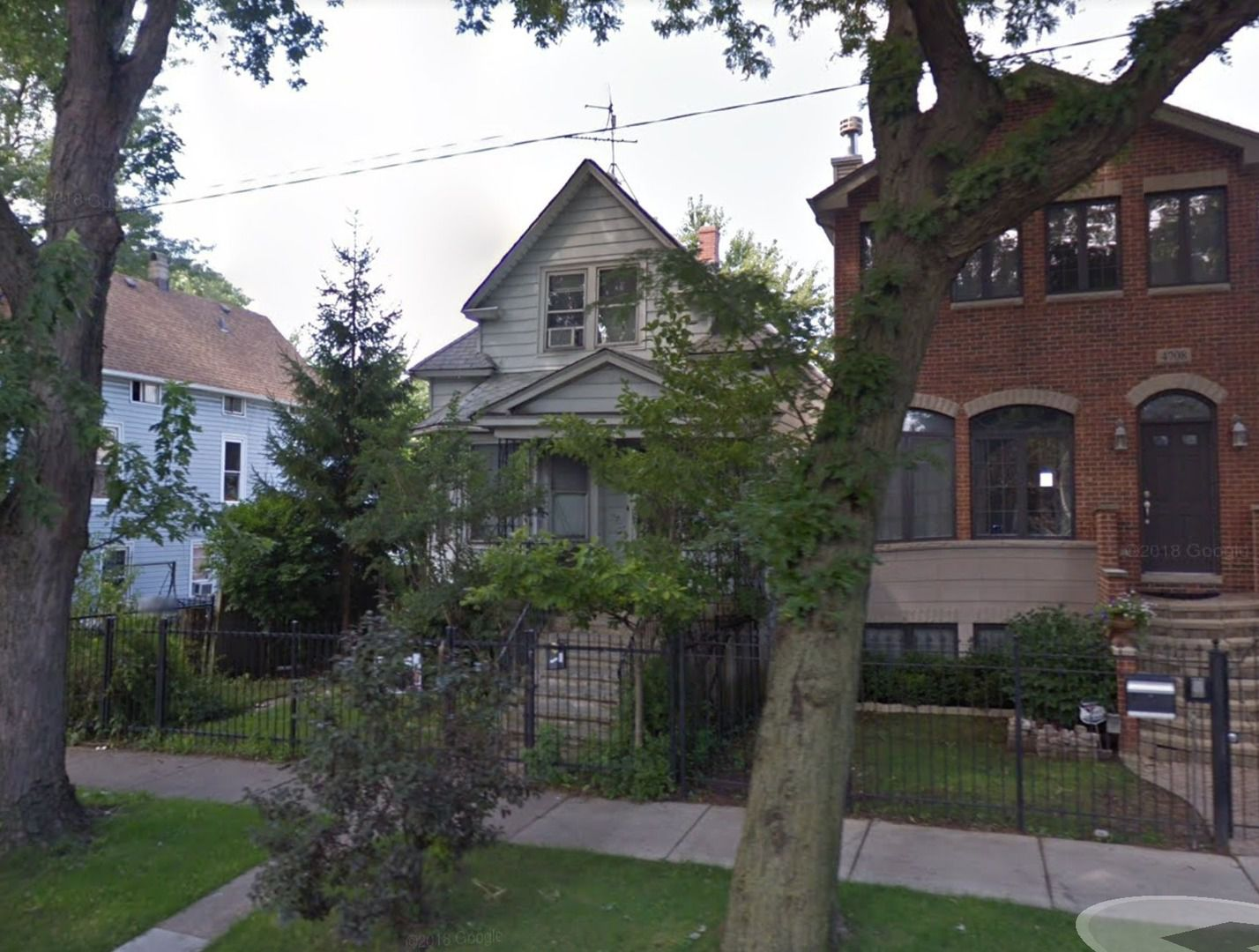 4706 N Avers Avenue