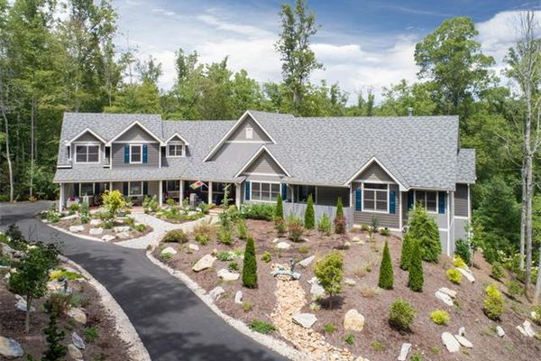 Creekside Cottages At Walnut Cove