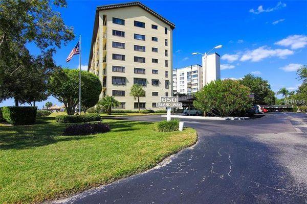 650 Island Way Condominiums