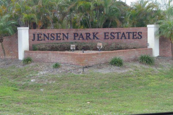 Jensen Park Villas