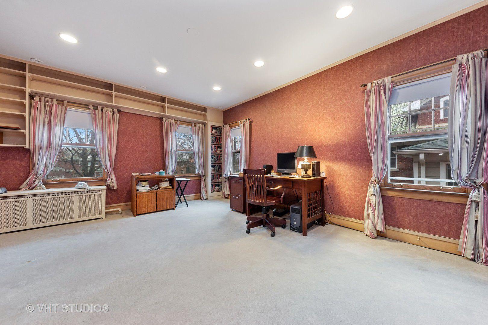 935 Bonnie Brae Place