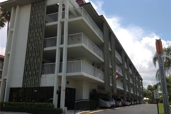 Islander The Condominiums