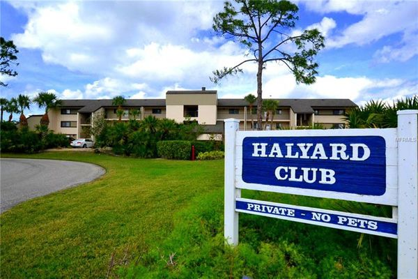 Halyard Club Condominiums