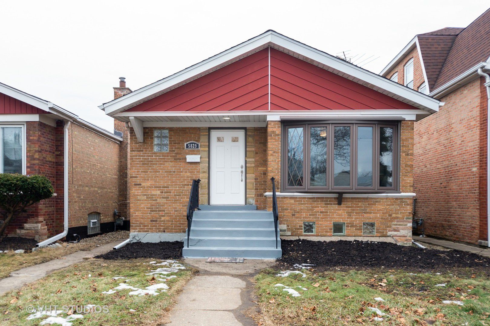 5829 W 64th Place