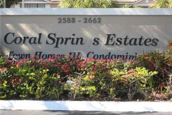 Coral Springs Estate Townhoms
