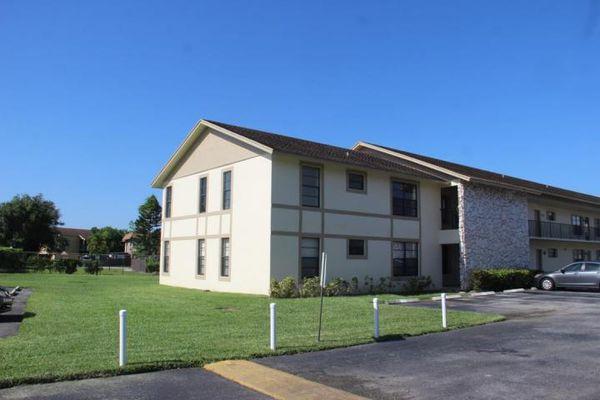 Sherwood Village Condominiums