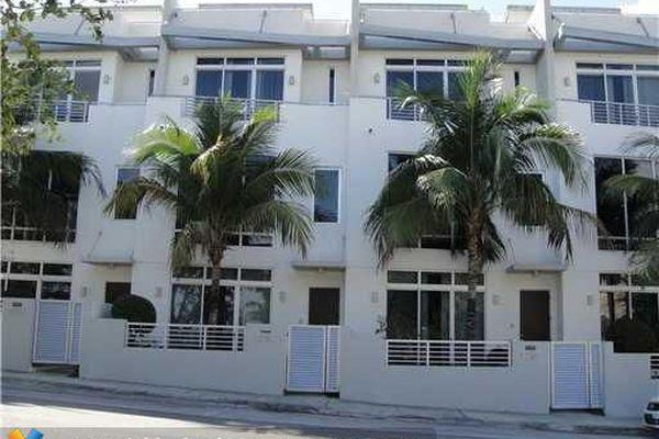 Palm Cove Lofts