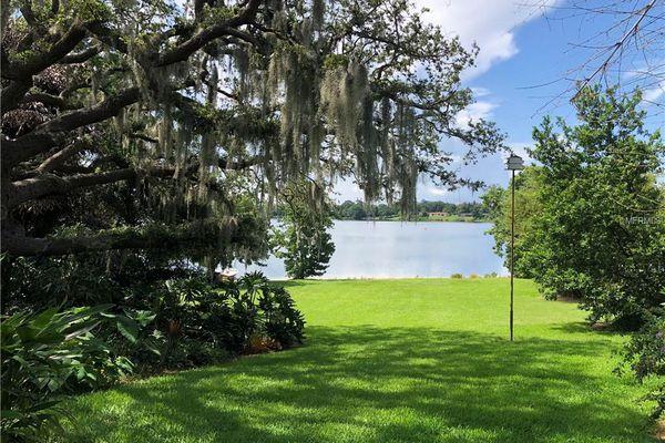 Lake Cane Villa