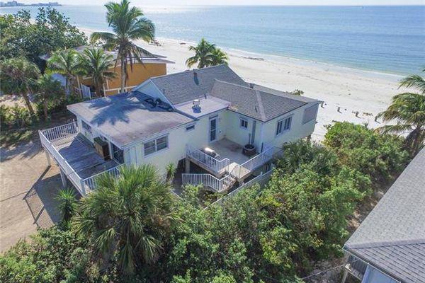 Gulf Island Manor