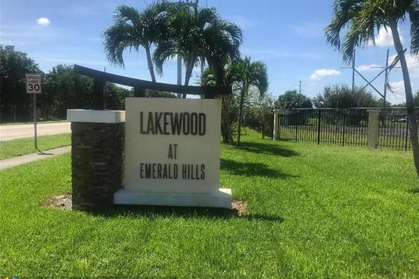 Lakewood At Emerald Hills