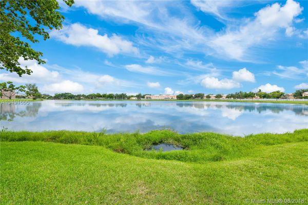 Lakeshore At University Park
