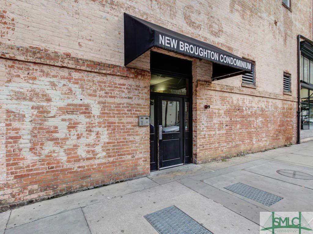 310 W Broughton Street 3004