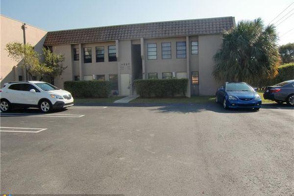 Springs Colony Club Condominiums