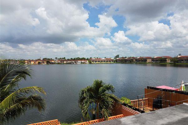 Lago Bello Condominiums