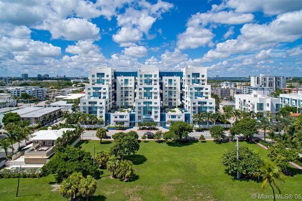 Ocean Blue Condominiums Of Miami Beach