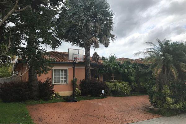 Royal Garden Estates