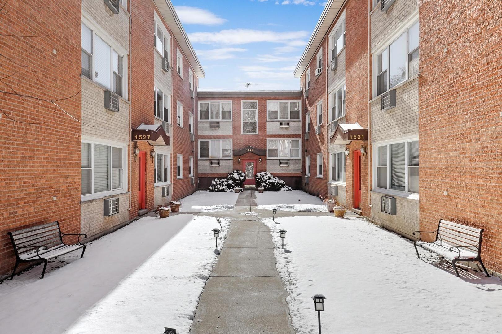 1531 W Sherwin Avenue 2S