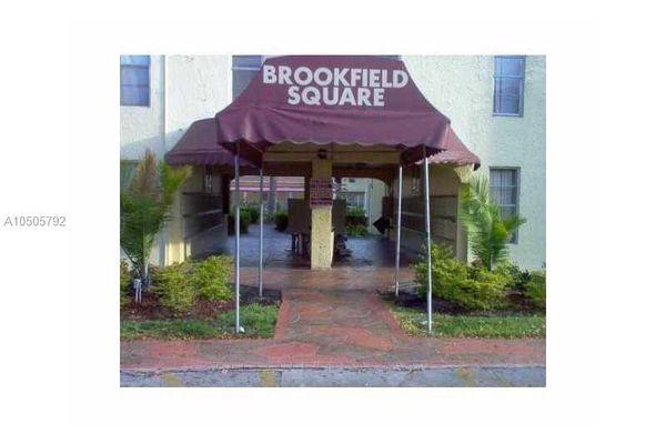 Brookfield Square Condominiums