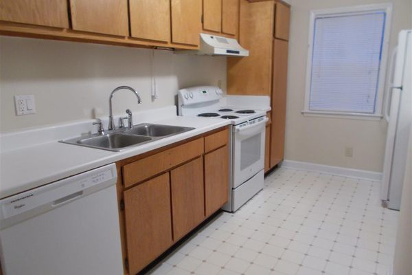Avery Close Condominiums