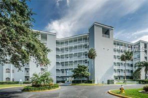 610 Island Way Condominiums