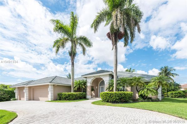 Colonial Palms Manor