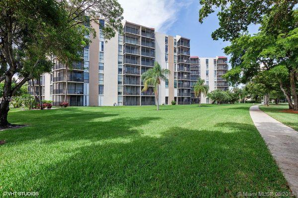 Bravura Condominiums
