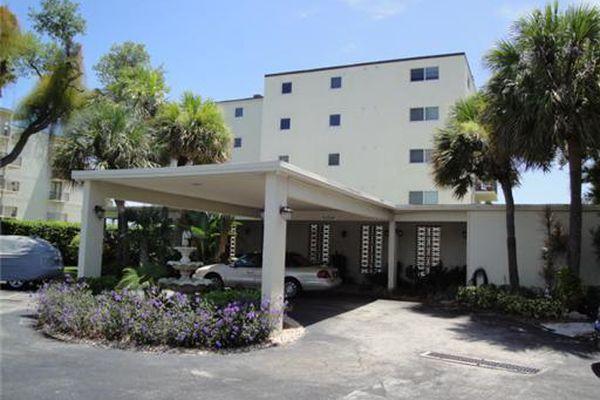 James Place Condominiums