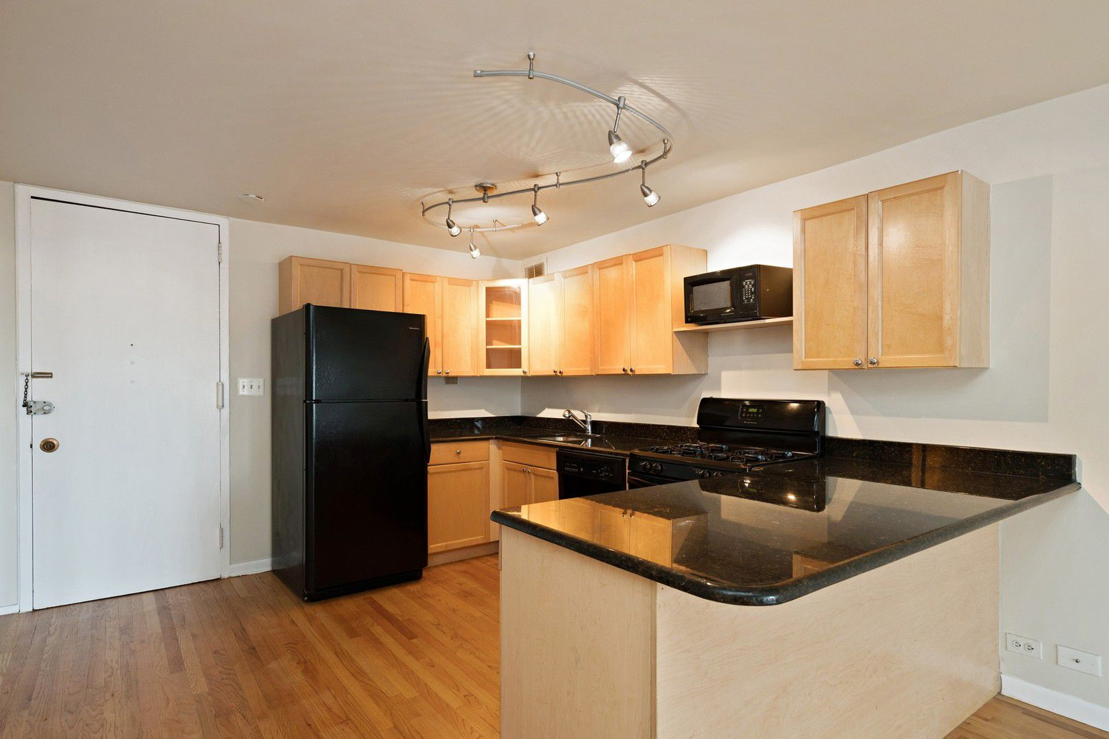 1960 N Lincoln Park West Avenue 601