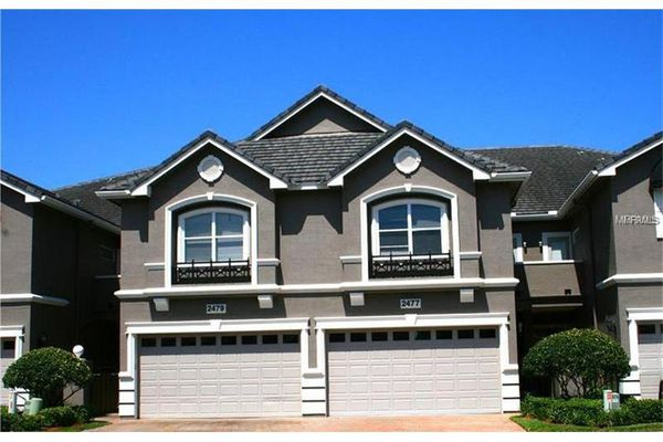 Townhomes At Lost Oaks