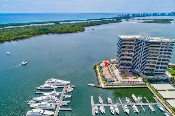 Lake Point Tower Condominiums