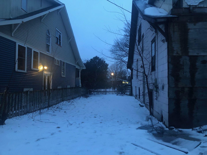 934 Gunderson Avenue