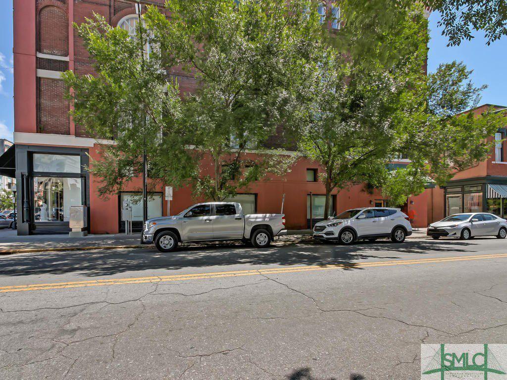 110 Barnard Street 214