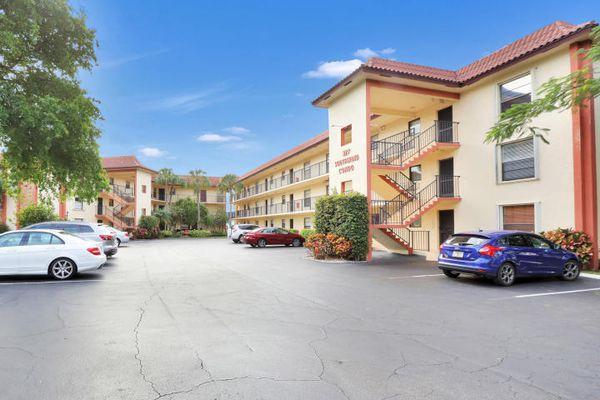 Southwind Circle Condominiums