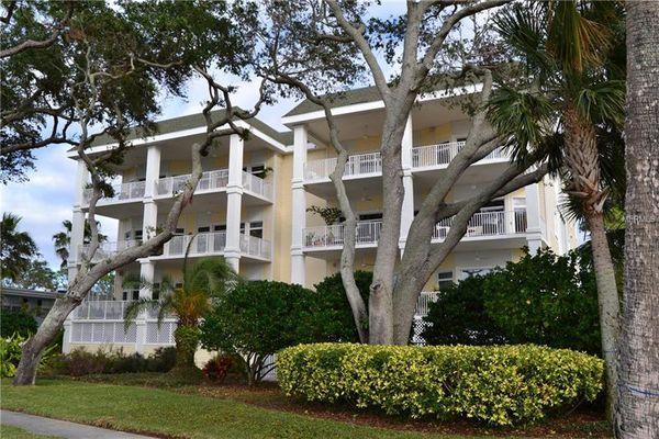 Victoria Shores Condominiums