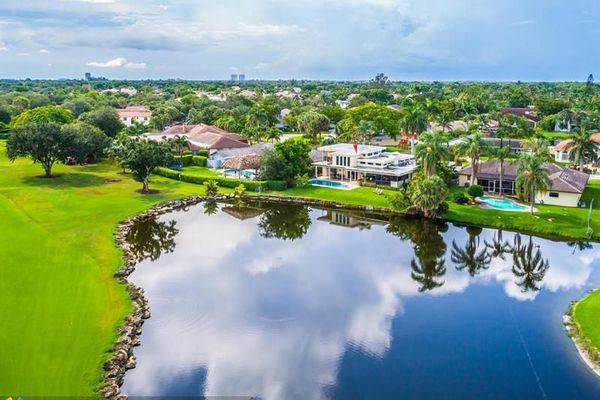 Jacaranda Lakes