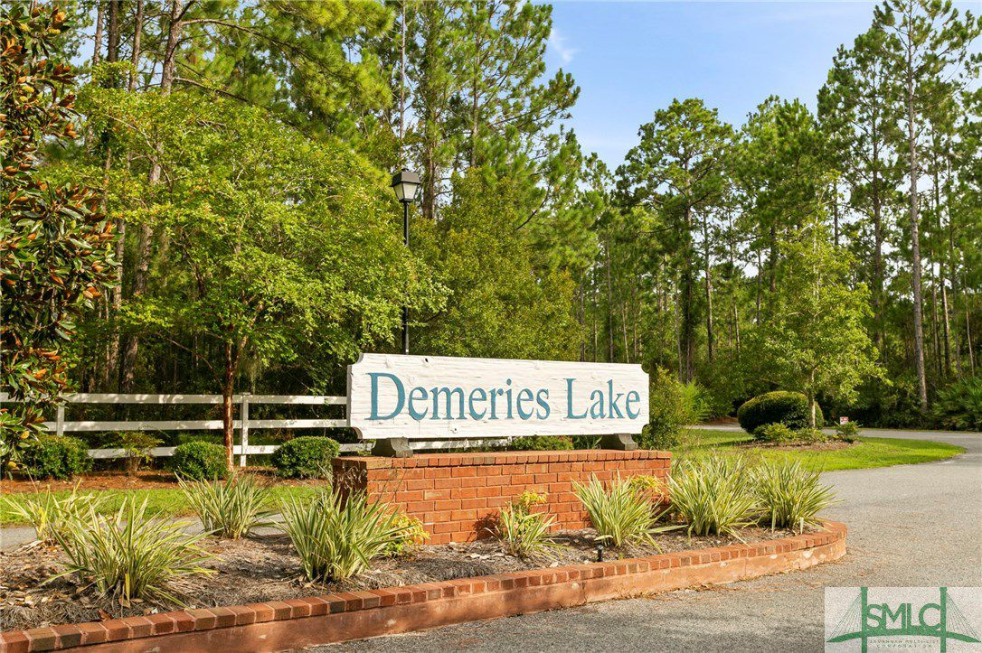 24 Demeries Lake Court