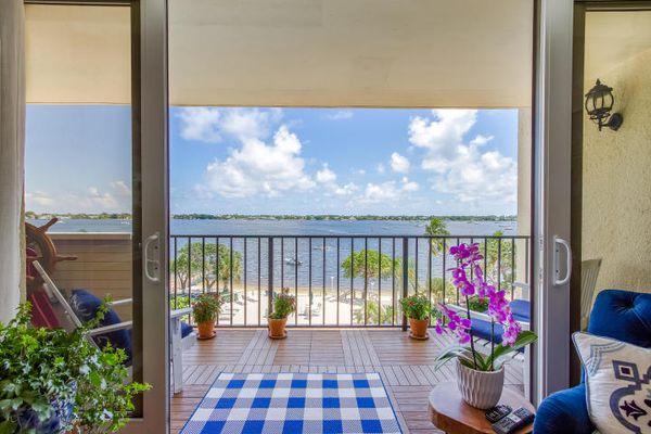 Palm Beach House Condominiums