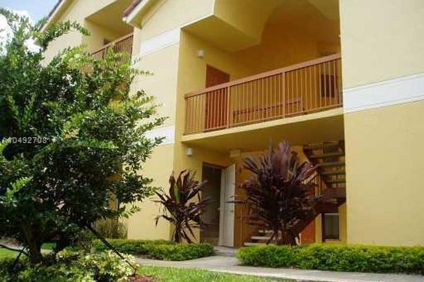 South Palm Place Condominiums