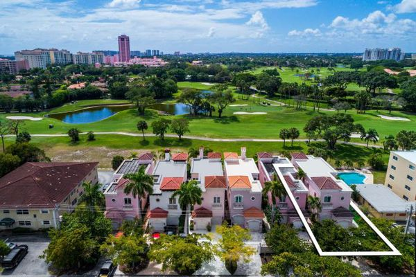 Royal Palm Villas