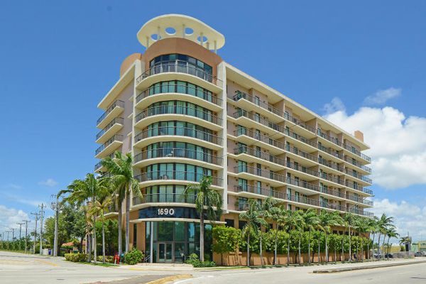 Coral Pointe Condominiums