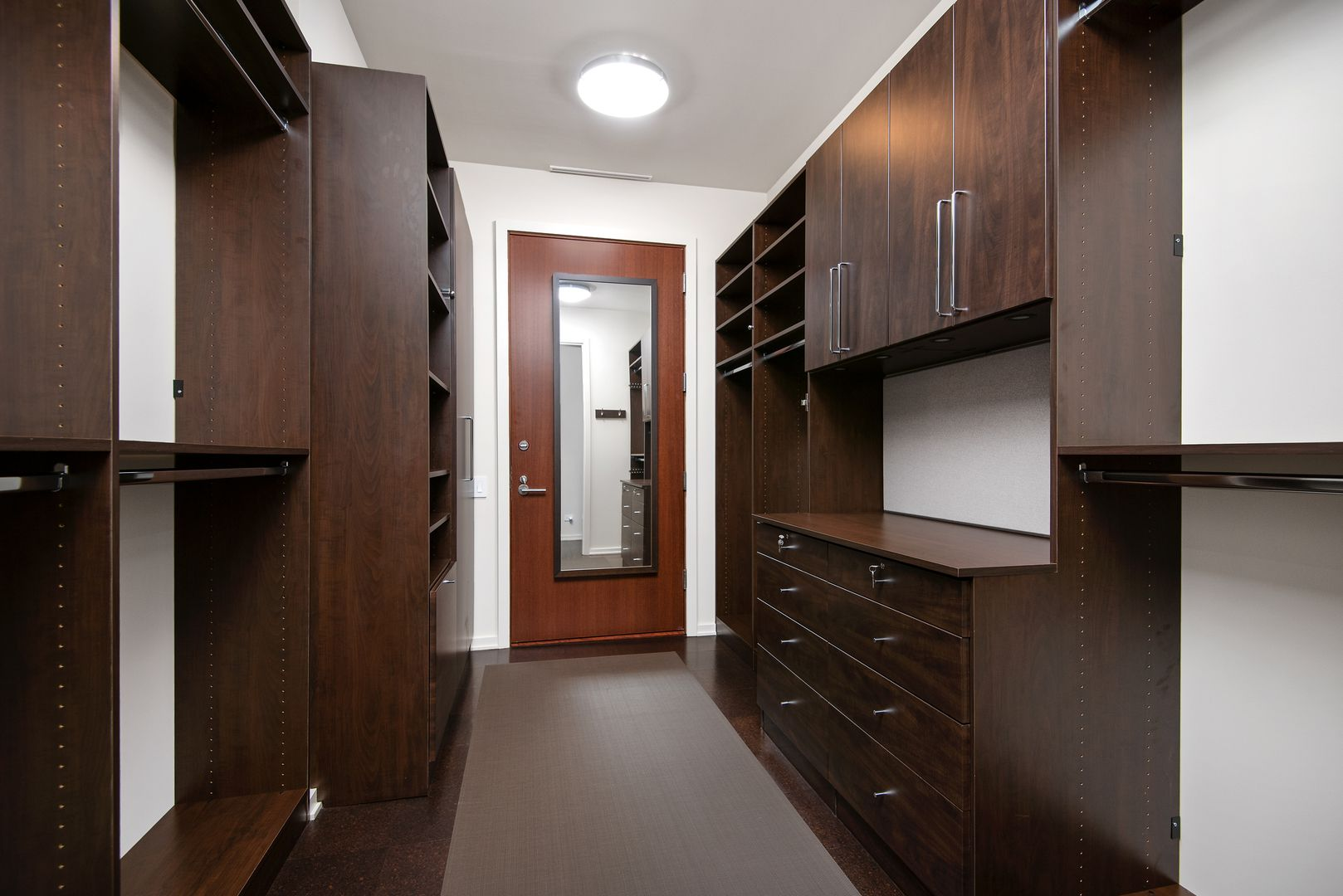432 W Grant Place 2W