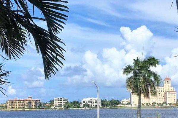 Yacht Club Towers