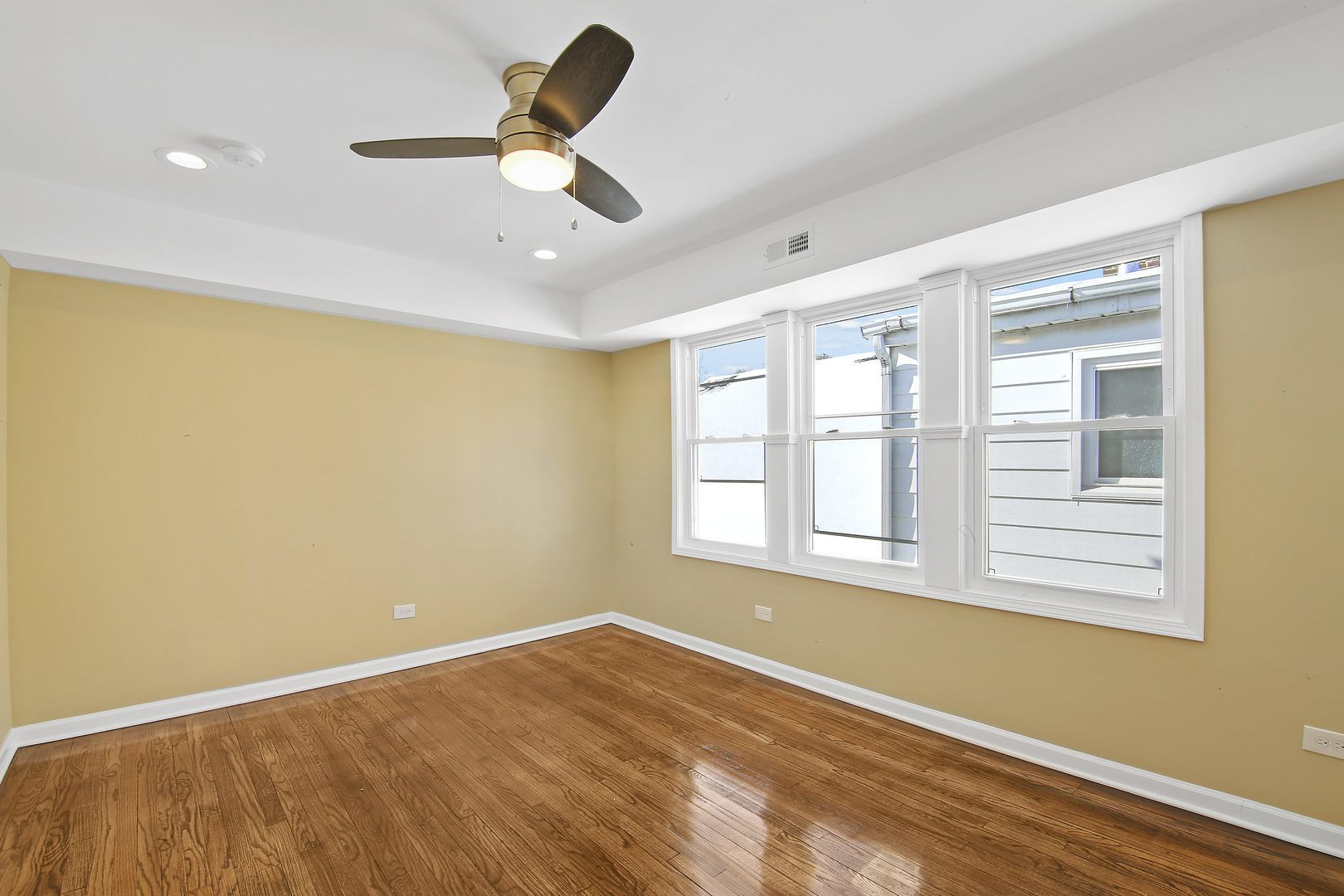 1304 W 98th Street