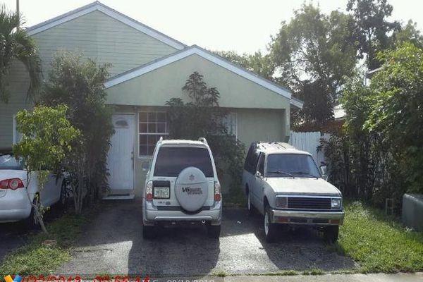 North Lauderdale Estates